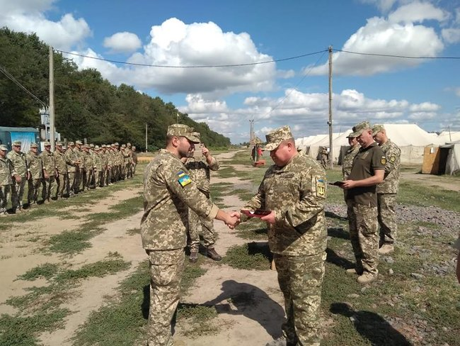Ukraines Ground Forces commander: Military presence along Azov Sea coast bolstered in response to Russias aggressive behavior 02