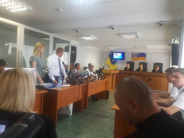 Yanukovych treason case hearing recessed over his lawyers obstruction 03