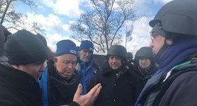 Ukrainian, Italian FMs visit checkpoint in Donetsk region, - Foreign Ministry. PHOTOS
