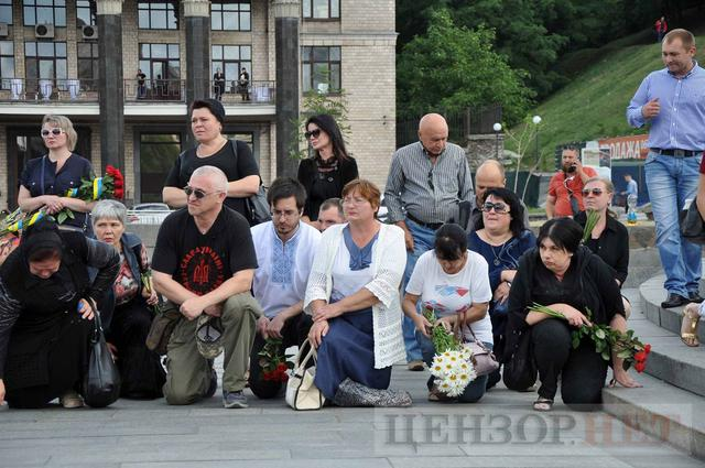 Family, friends, comrades said farewell to volunteer Volodymyr Samoilenko killed in Donbas 06