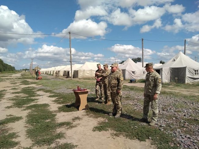 Ukraines Ground Forces commander: Military presence along Azov Sea coast bolstered in response to Russias aggressive behavior 01