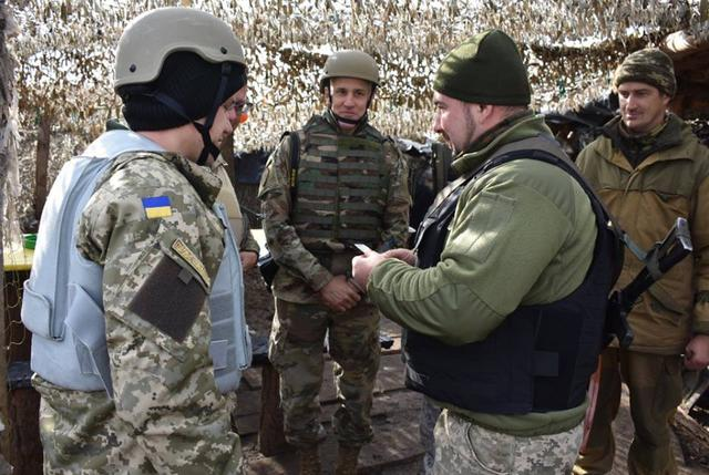 US Army delegation headed by Defense Attaché Wofford visits Ukraine troops' outposts in Donbas, - ATO HQ 01