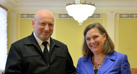 Turchynov and Nuland discussed defense and security cooperation. PHOTOS