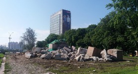Cheka monument in Kyiv demolished finally, - Svoboda member Andriiko. PHOTOS