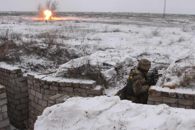 Ukrainian troopers hold field maneuvers, weapons training exercise in Mykolaiv region 10