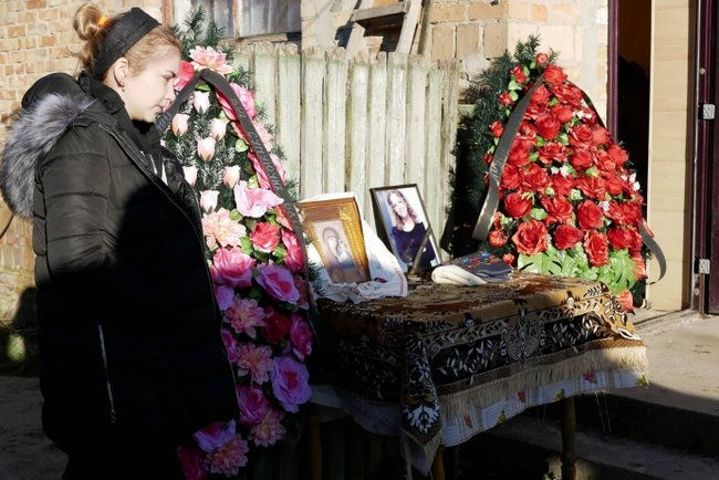 Last tribute paid to murdered human rights activist Nozdrovska 05