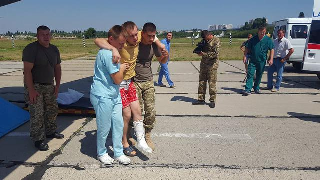 14 wounded military brought to Odesa, four of them in grave condition 03