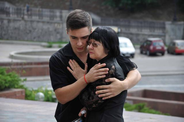 Service for Donbas veteran Serhii Oliinyk, killed in Kyiv downtown, held in Kyiv on Sunday 04