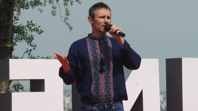 Vakarchuk presents his party to participate in parliamentary elections 03