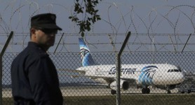 Passengers of hijacked Egyptian plane released, except for four foreign citizens and crew, - Egypt Air. PHOTOS