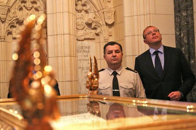 Ukraine's defense minister plans creating Memorial Chamber to honor fallen soldiers 03