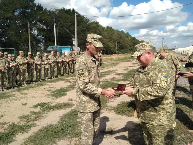 Ukraines Ground Forces commander: Military presence along Azov Sea coast bolstered in response to Russias aggressive behavior 04
