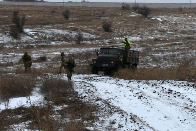 Ukrainian troopers hold field maneuvers, weapons training exercise in Mykolaiv region 02