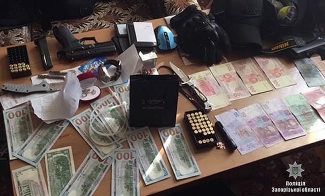 Ring of robbers disguising themselves as policemen detained in Zaporizhia, - National Police 06