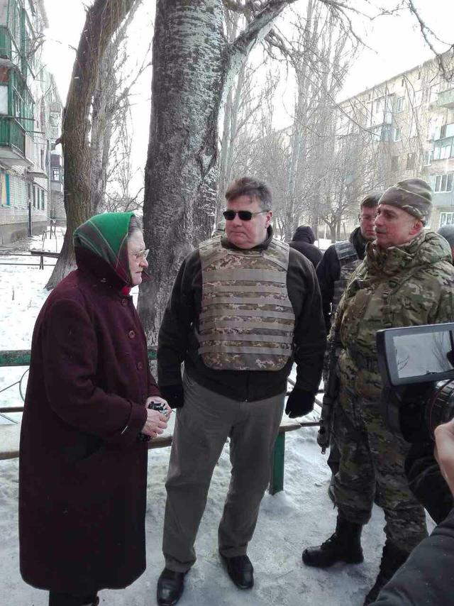 Lithuanian Foreign Minister Linkevičius pays visit to embattled Avdiivka 02