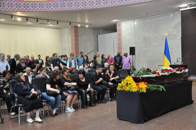 Service for Donbas veteran Serhii Oliinyk, killed in Kyiv downtown, held in Kyiv on Sunday 02