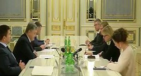 Poroshenko, Wallstrom discuss visa waiver, association deal, Russia sanctions as European Council session approaches. VIDEO