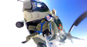 National Guard`s Spetsnaz trained water landing and parachute jumps. VIDEO+PHOTOS